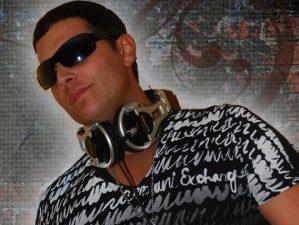 DJ 54
